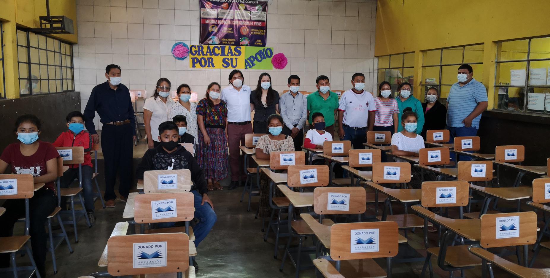 Fundación Miguel Torrebiarte en conjunto con Calzado Cobán apoyan a familias y escuelas en Alta Verapaz